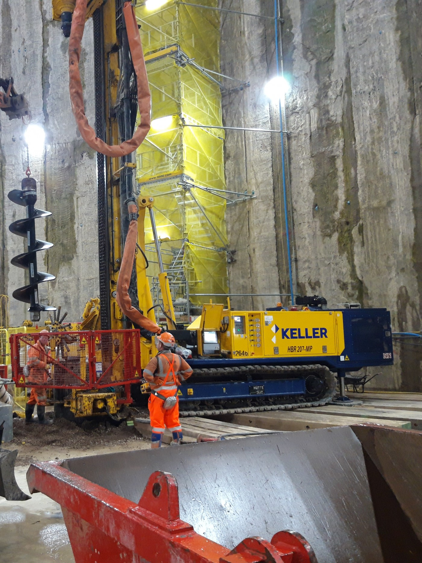 Keller's rig working in the shaft