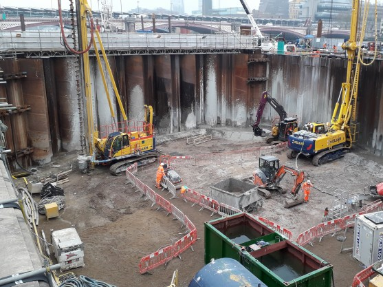 Jet grouting inside the cofferdam at Blackfriars Foreshore